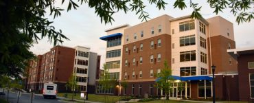 Dr. Heather Schneller gives housing tips to incoming students