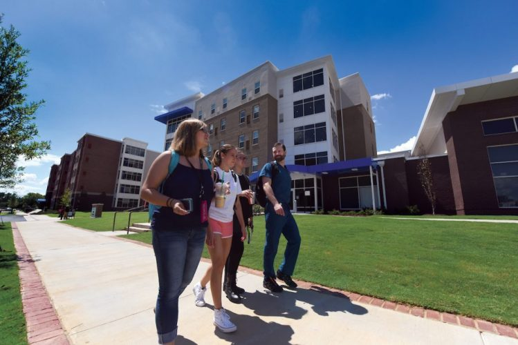 Office of Academic Admissions gives tips for picking the right college